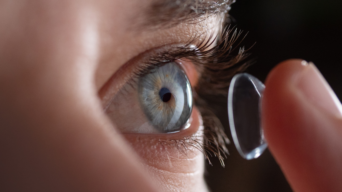 Forscher entwickeln zoomende Kontaktlinse | DOZ-Portal